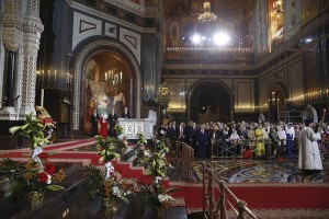 Russian President Putin, PM Medvedev, Medvedev's wife Svetlana, Moscow Mayor Sobyanin attend an Orthodox Easter service in Moscow