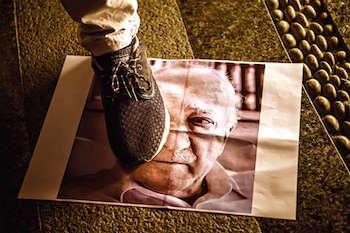 poster-foot-coup-preacher-fethullah-gulen-turkey-ozan-kose-afp